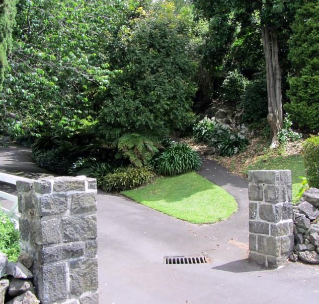 Entrance to Highwic off Mortimar Road