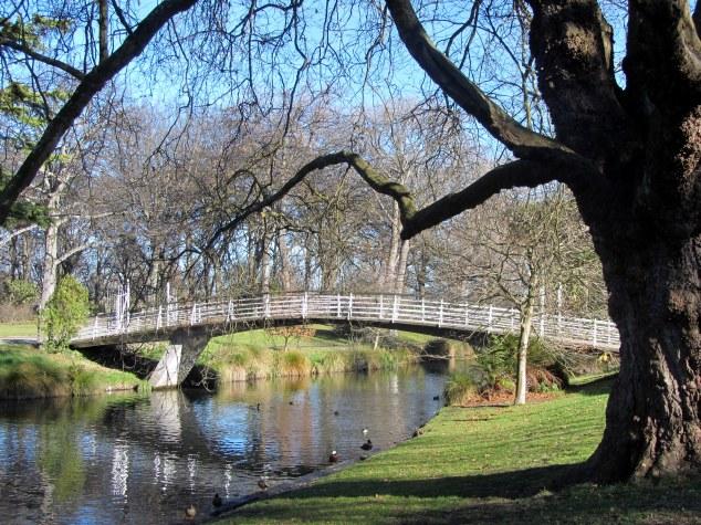 Woodland Bridge crossing the Avon River
